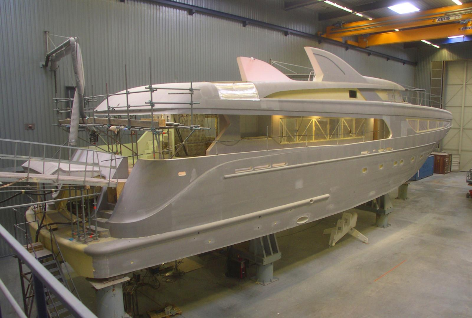Yacht construction supervision